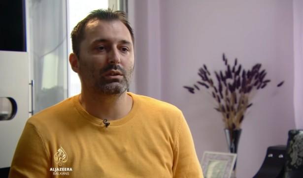 Aleksandar Obradović iz kućnog pritvora daje intervju za Al Džaziru (foto:  Al Jazeera Balkans, Jutjub, skrinšot)